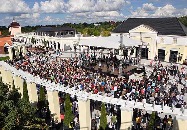 how to go to designer outlet berlin